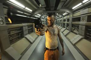 Lockout Joseph Gilgun Pistole Bild