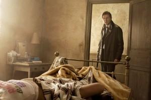 96 Hours Liam Neeson Bett Bild