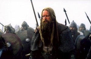 King Arthur Skarsgard Bild